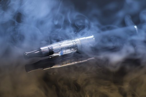 First death linked to lung illness tied to vaping